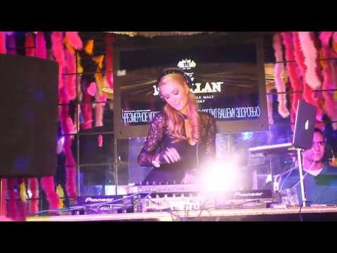 Пэрис Хилтон отыграла DJ сет в Москве