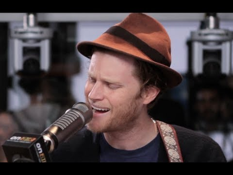 Baixar The Lumineers - Ho Hey (Acoustic) | Performance | On Air With Ryan Seacrest