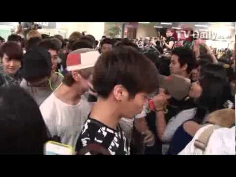 [TVDaily] 120806 Super Junior, SHINee, BoA, f(x), & EXO at Gimpo Airport (back from Tokyo)