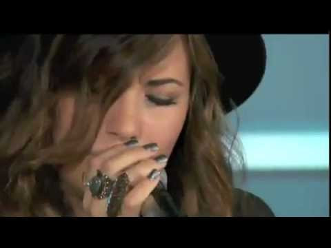 Baixar Demi Lovato Performing My Love Is Like A Star VH1 Live
