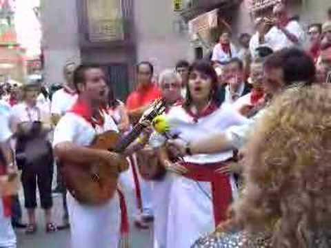 JOTAS NAVARRAS.Jesus y Claudia en Villafranca