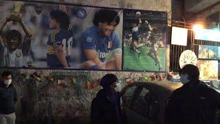 """Napoli, il dolore dei tifosi per la morte di Maradona: """"E' il padre del calcio e del popolo"""""""
