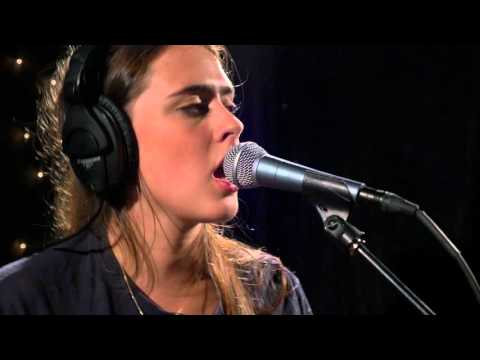 Hinds - Fat Calmed Kiddos (Live on KEXP)