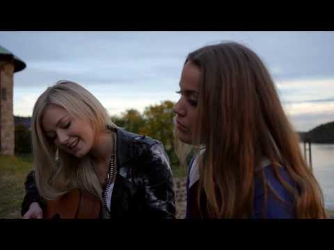 Baixar Julie Bergan & Astrid Smeplass - Undressed (Kim Cesarion Cover)