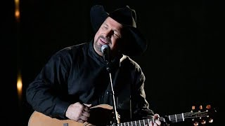 "Garth Brooks' ""Stronger Than Me"" Was a CMA Tear-Jerker"