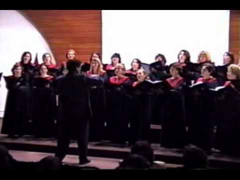 DOS PALOMITAS Coro Femenino Colegio Santa Maria Lima Peru 2004