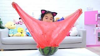보람이와 코난의 초거대 수박 슬라임 만들기 놀이 Boram made Watermelon slime