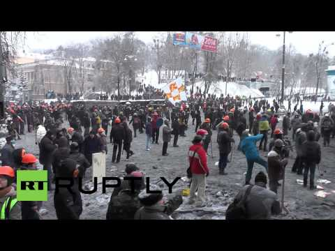 Violence at boiling point in Kiev as morning breaks to riotous scenes