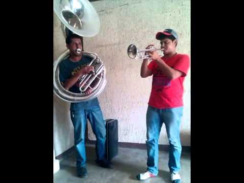 Besame Mucho - Martin Ponce Trompetista y Abelardo Romo Tuba