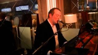 Bekijk video 3 van Jim the Piano Traveller op YouTube