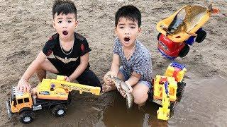 Trò Chơi Máy Xúc Máy Cẩu Bắt Cá ❤ Bé Vui Cắm Trại Phần 3 ❤ Min Min TV Minh Khoa