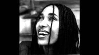 "Aster Aweke - Munaye Munaye ""ሙናዬ ሙናዬ"" (Amharic)"