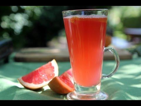 Kompot rabarbarowy z różowym grapefruitem