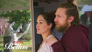 Brie Bella and Daniel Bryan reminisce as they depart their Phoenix home: Total Bellas, June 17, 2018