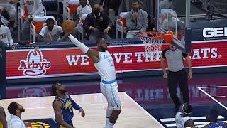 LeBron James lob dunk off pass from Dennis Schroder😮