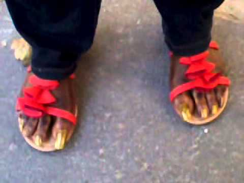 Very long toenails in GOLD - YouTube - photo#3