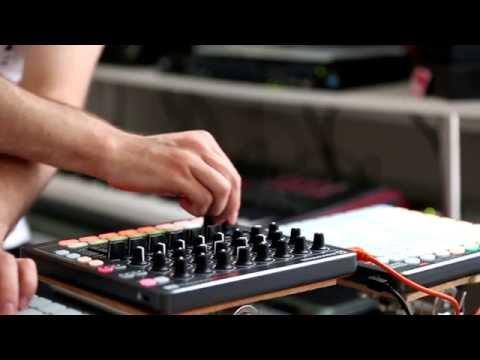 Novation // Launch Control XL Performance ft. Avec Sans