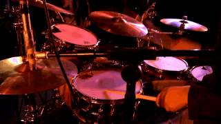 Bekijk video 2 van Hit The Light op YouTube
