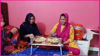 Devrani Vs Jethani MOMOS EATING CHALLENGE & Vlog !!! Family Vlog