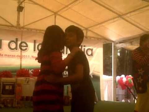 Primer beso a una niña!!!!