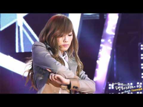 2011/11/06 사랑 나눔 콘서트 태연 - The Boys 직캠 by DaftTaengk