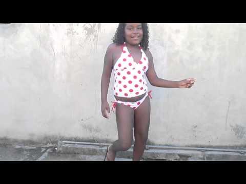 Baixar Fã mirim de Anitta Dançando Tá na mira