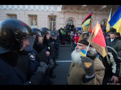 Massive Protests In Ukraine - Smashpipe News