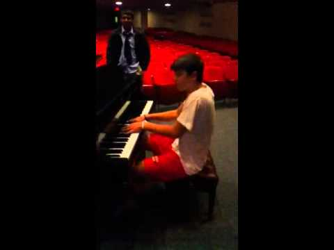 Albert Stanaj Singing and Piano Skills