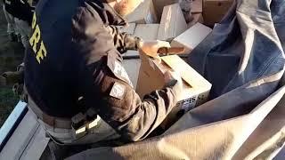 Carreta com cerca de 1 milhão de reais em mercadorias irregulares é apreendida em Eldorado do Sul