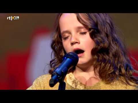Amira (9) verbijstert iedereen met opera - HOLLAND'S GOT TALENT