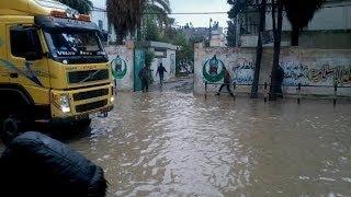 أخبار الآن - إجلاء الآلاف من منازل غارقة بالفيضانات في قطاع غزة