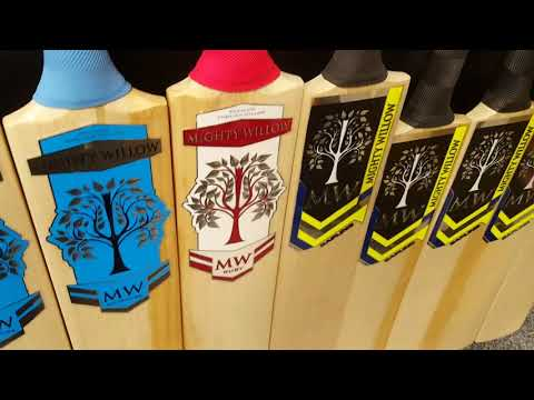 Mighty Willow Pearl Edition Cricket Bat