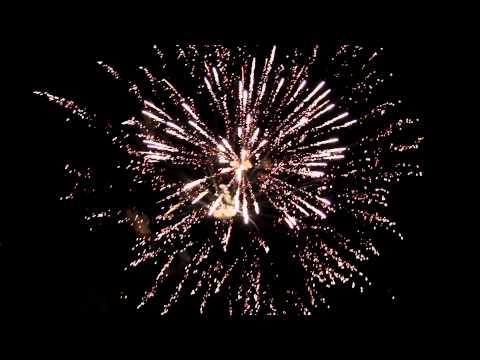 Epic Fireworks Screaming Spiders - 100 shot firework