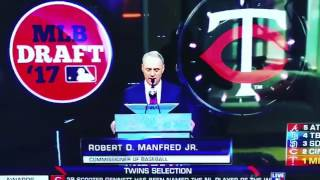 The 1st Selection of the 2017 MLB Draft the Twins select Royce Lewis! BEST PLAYER IS DRAFT?