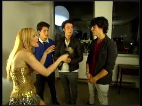 Baixar jonas brothers talk miley,CR 2, and canada on MMVA uncut
