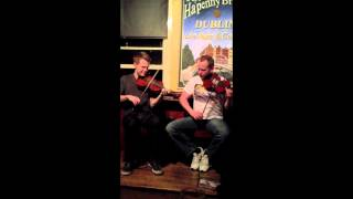 Patrick Mangan - Trad Music Session in Dublin w/ Padraig O'Neill & James Riley