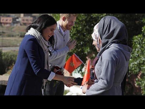 شاهد مولاي الحسن يبهر الأمير هاري وزوجته ميغان ماركل بلغته الإنجليزية