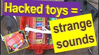 Electronics on the floor Christmas edition: Circuit bending electronic toys