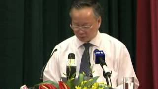 Phó Chủ tịch UBND TP Hà Nội Nguyễn Văn Sửu trả lời  chất vấn của đại biểu HĐND TP