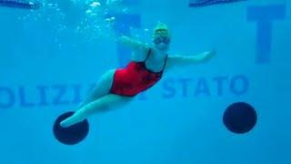 """Bebe Vio e l'allenamento in piscina: """"Mi sento come la Sirenetta, ma a lei spuntano le gambe"""""""