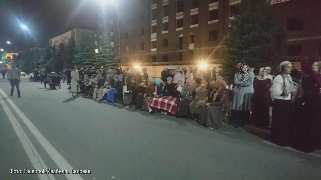 Магас: протестующие остались ночевать на площади