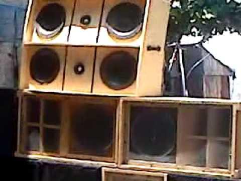 sonido tlatuani con musica electronica