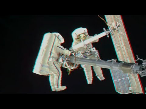 Space walks in 3D and other recent imagery from the ISS