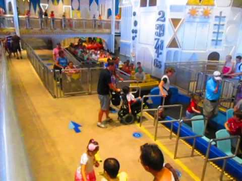 Disney World ride for wheelchair users-It's A Small World