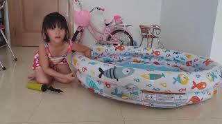 Tắm Cùng Cá - Gia Linh Bơm Phao Bơi Tắm Cùng Cá Chép và Cá Rô