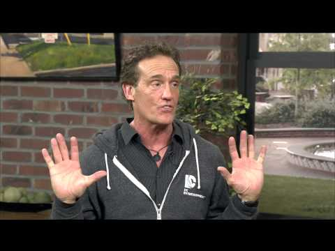 Full Interview with original 'Flash' actor John Wesley Shipp
