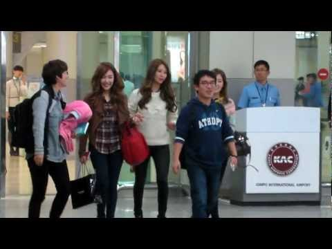 121015 SNSD Taeyeon, Tiffany, Seohyun TTS arrived Gimpo Airport [FANCAM]