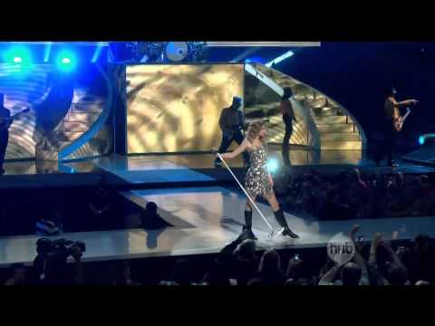 Taylor Swift - You Belong With Me [Live]