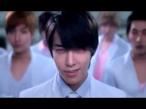 Super Junior SEXY VAMPIRE !