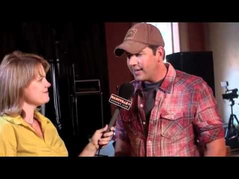 Rodney Atkins Interview at Music City Gives Back - YouTube